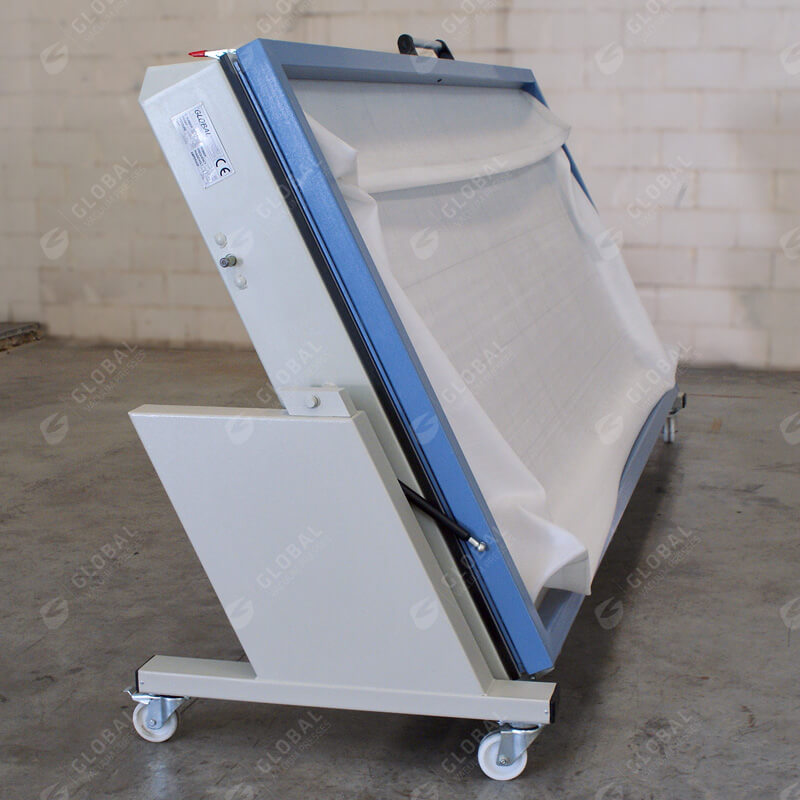 Foldable vacuum press