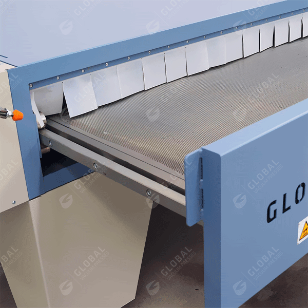 Thermoforming oven heating drawer
