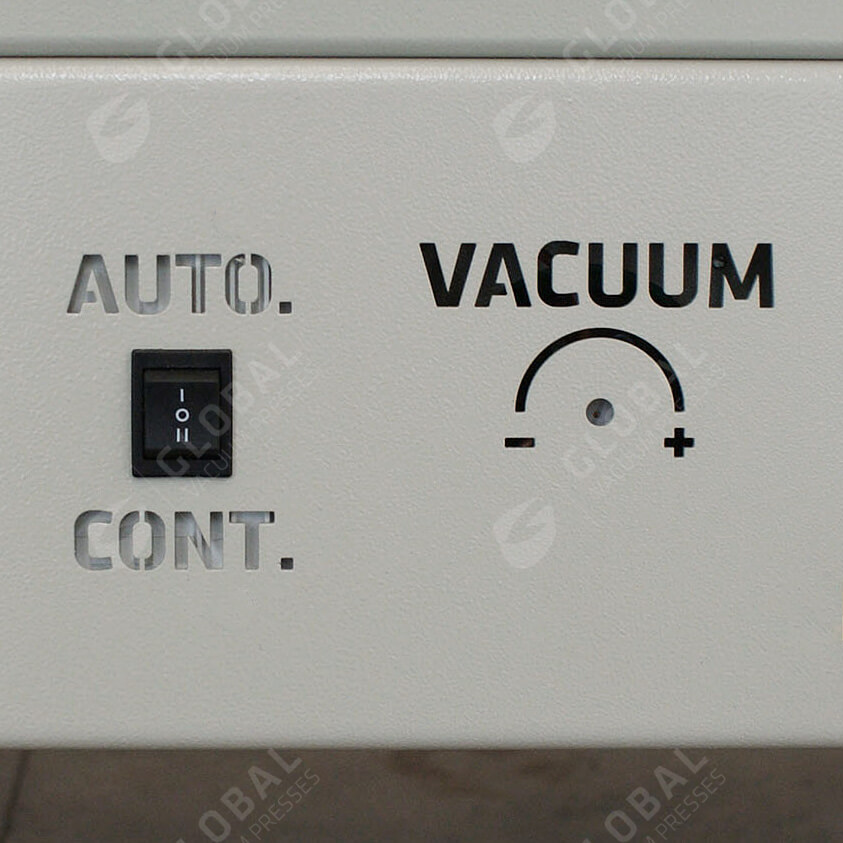 Vacuum switch