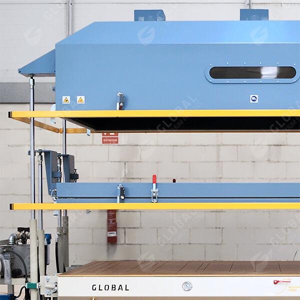 Vertical heating hood
